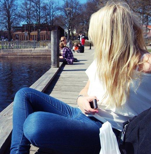 фотографии блондинок с парнем сзади